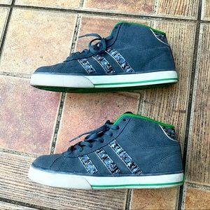 Adidas NEO Size 6 youth